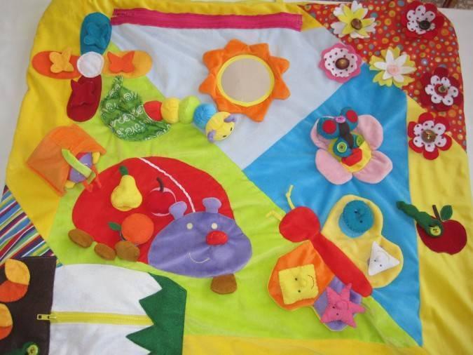 Девочки а нужен ли ребенку развивающий коврик?поделитесь опытом!!!