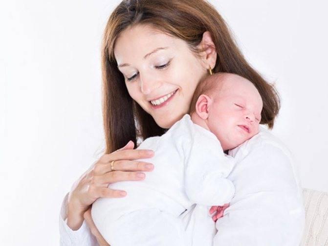 Почему новорожденный ребенок срыгивает все, что съел