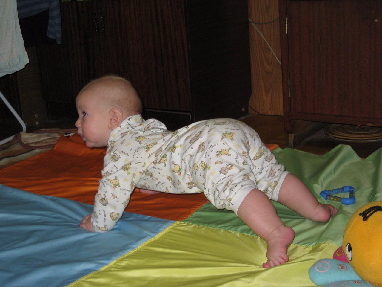Ребенок постоянно тужится и плачет. - ребенок постоянно тужится - запись пользователя анастасия (shastlivaia) в сообществе здоровье новорожденных в категории стул новорожденного - babyblog.ru