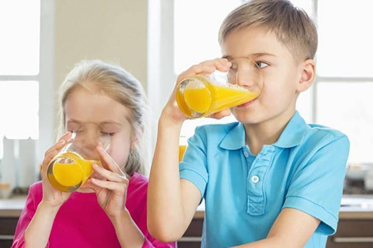 Как научить ребенка жевать твердую пищу: как приучить, комаровский, с какого возраста можно давать