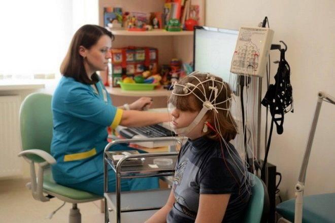Проведение энцефалограммы головного мозга ребенку