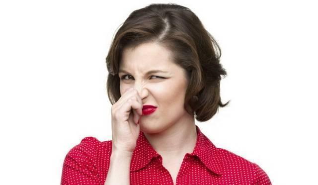 Кал с кислым запахом