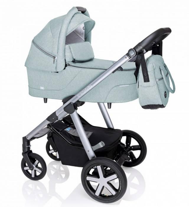Прогулочная коляска для новорожденного.