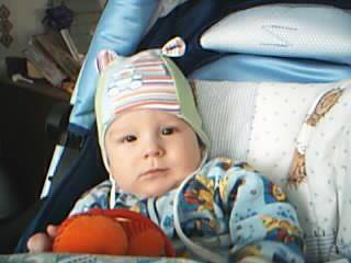 Как гулять с новорожденным зимой: 7 вопросов