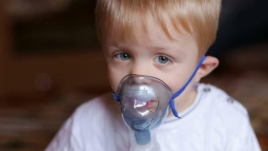 Ингаляции при насморке ребенку — чем подышать через небулайзер малышу