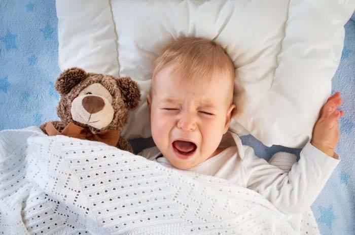 Ребенок плачет без причины что делать