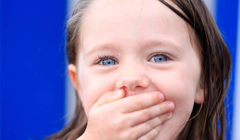Сыпь на лице у грудничка, новорожденного ребенка (54 фото): таблица детских инфекций с пояснениями, причины красной мелкой сыпи на щеках - прыщей на шее и теле, симптомы без температуры