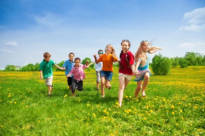 Температура и сыпь у ребенка: причины и возможные болезни