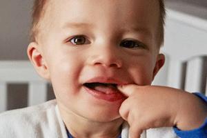 Rebenok-tuzhitsya-i-kryahtit - запись пользователя аня (annilu) в сообществе здоровье новорожденных - babyblog.ru