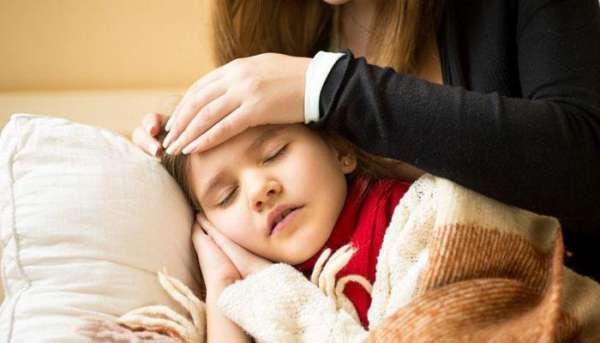 Все о том, как грудничок пукает: много, болезненно, с плачем, с водичкой, неприятным запахом. стоит ли волноваться родителям?