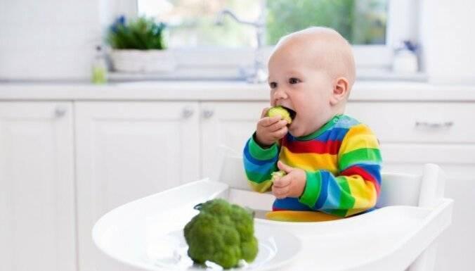 Почему ребенок плачет, психует и не берет грудь?