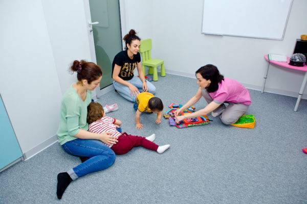 Должен ли ребенок сидеть в 6 месяцев? - ребенок в 6 месяцев не сидит - запись пользователя ольга (athen) в дневнике - babyblog.ru