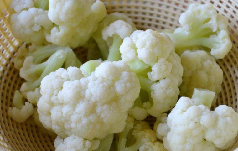 Сколько варить цветную капусту замороженную: время в минутах от момента закипания до готовности, а также как правильно и вкусно приготовить овощ в кастрюле?