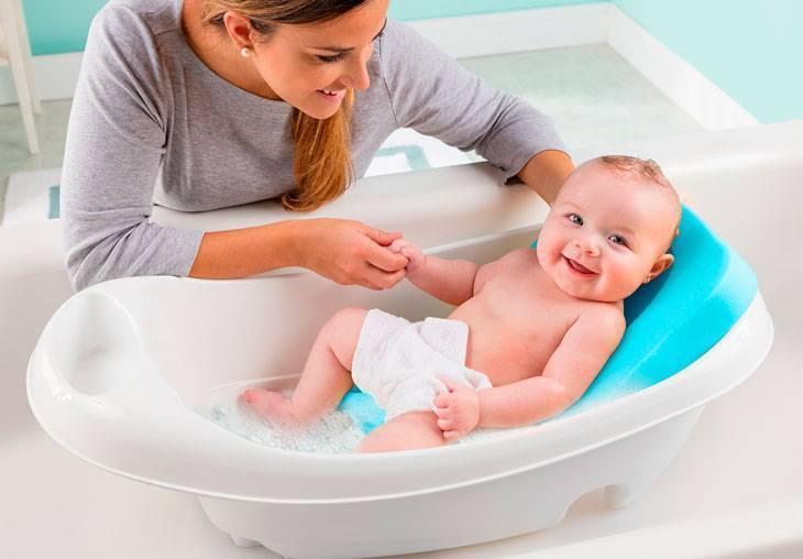 Как выбрать ванночку и аксессуары для купания?