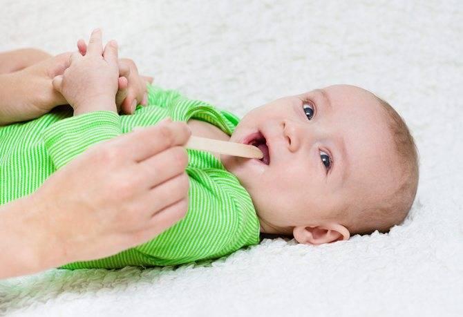 Как быстро победить боль в горле. чем лечить больное горло у ребенка?
