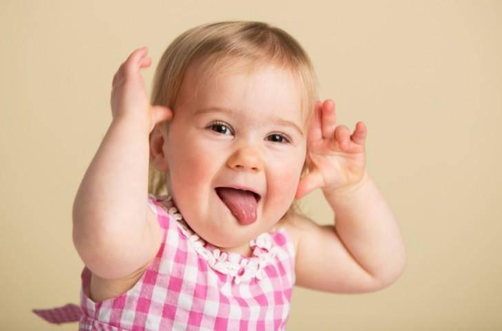 Сколько зубов у ребенка в 1 год