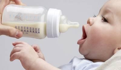 Как понять, что ребенок не наедается грудным молоком: признаки, что делать