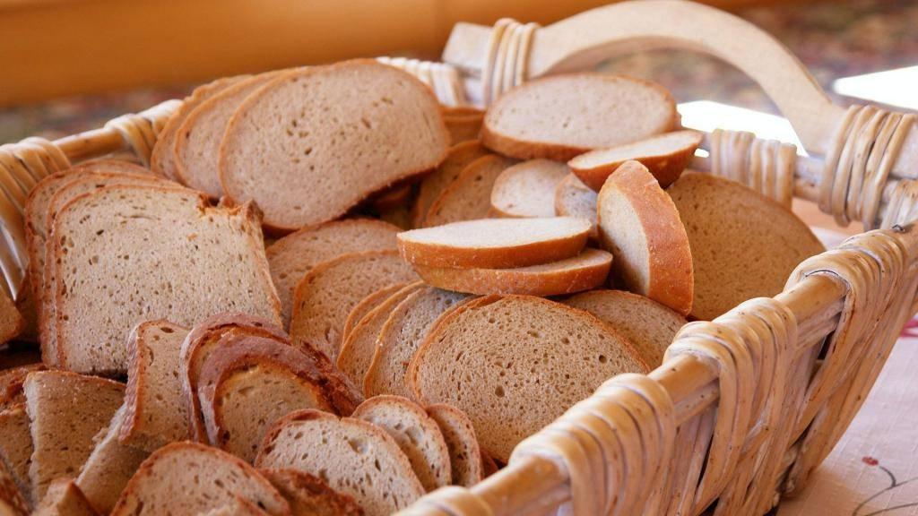 В каком возрасте можно давать хлеб ребенку