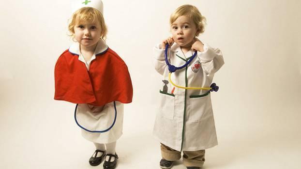 Каких врачей нужно пройти в 3 месяца ребенку