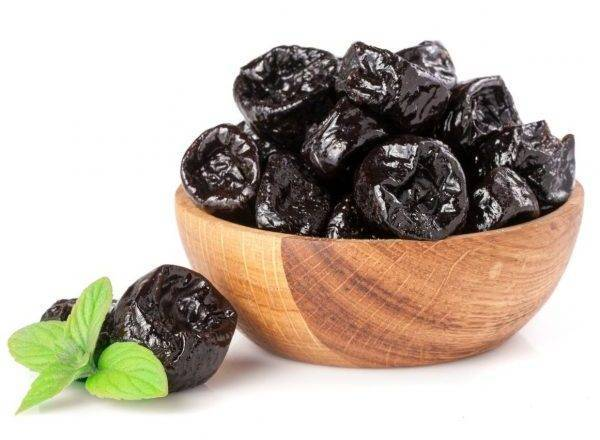 Чернослив при грудном вскармливании: можно ли компот и йогурт с черносливом
