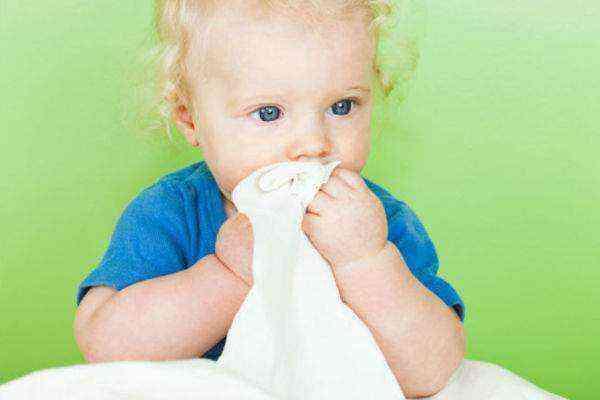 Почему у ребенка кал с кровью?