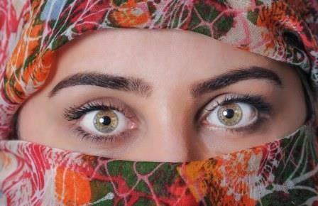 Белый налет и выделения из глаз: причины возникновения у взрослого и ребенка