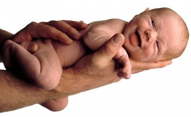 Обработка пупка новорождённого: используемые средства и правила проведения процедуры