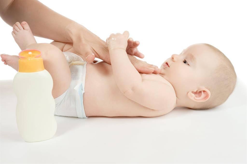 Как развести марганцовку для купания новорождённого: сколько нужно добавлять в раствор