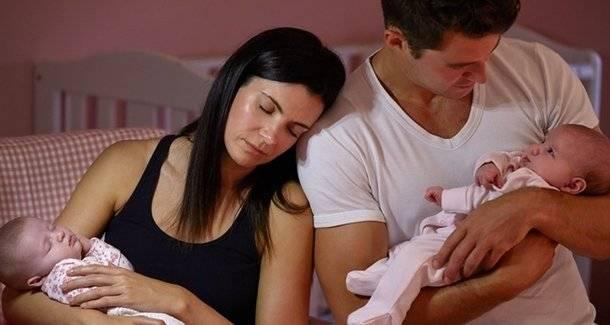 Как часто кормить новорожденного грудным молоком: по требованию или по режиму?