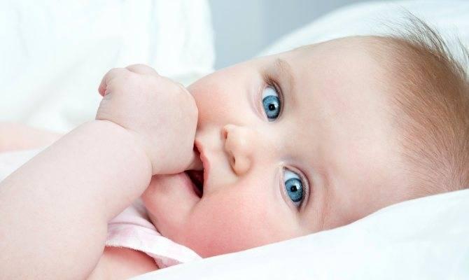 Трещины за ухом у ребенка: причины появления и способы лечения