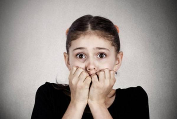 Нервный тик у ребёнка: каким он бывает и как лечить правильно?