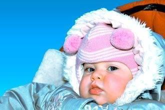 Как родителям понять, что новорожденный замерз?