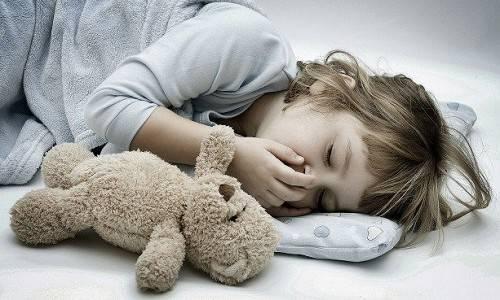Понос и рвота у ребенка: как лечить и чем кормить?