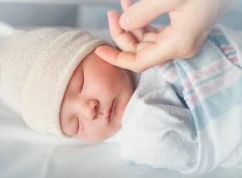 Нужен совет! себорейные корочки, и цветение новорожденных?? - себорейная корочка на лице - запись пользователя ева (evuska) в дневнике - babyblog.ru
