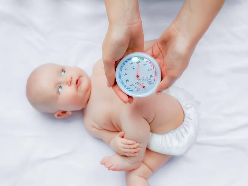 Основные причины, по которым новорожденный малыш беспокойно ведет себя во время кормления грудью. что делать?