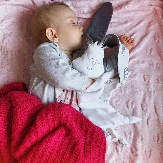 Бортики в кроватку для новорожденных — как сделать своими руками