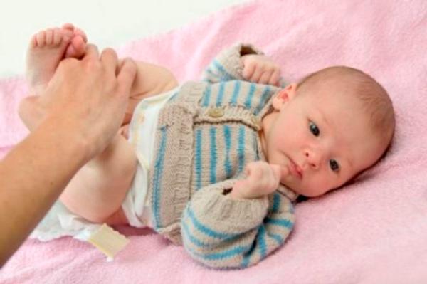 Сколько раз в течение суток должен какать новорожденный ребенок