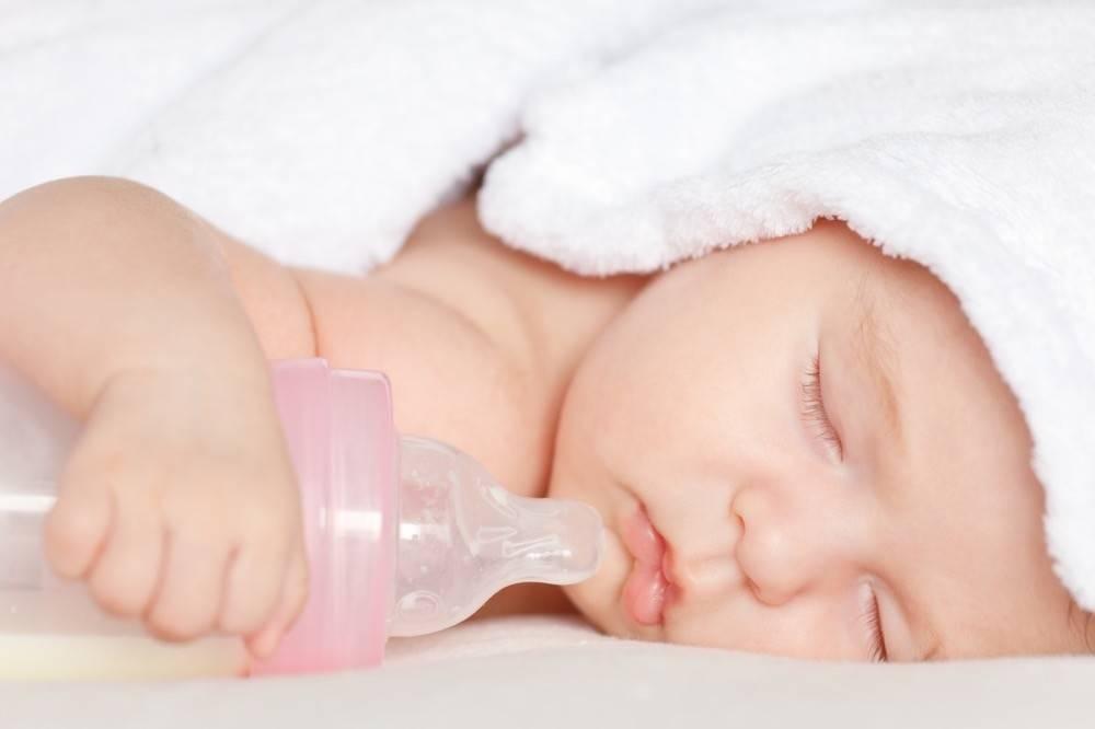 Ребенок долго спит: причины и действия родителей