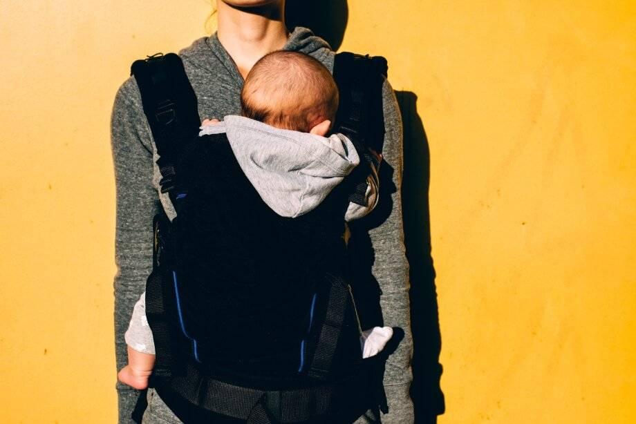 Эрго-рюкзак: с какого возраста носить, типичные ошибки