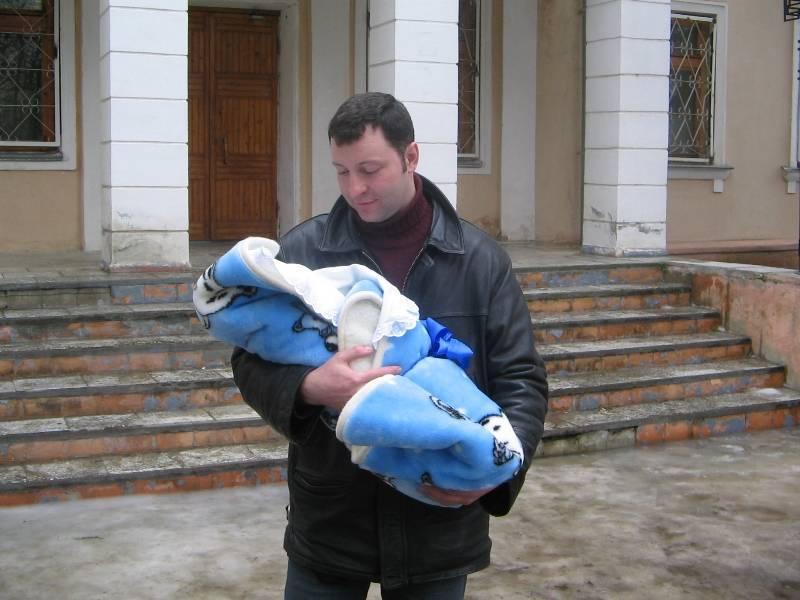 Как одеть новорожденного  ребенка осенью