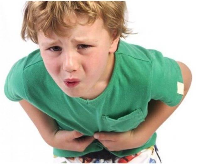 Что делать, если у ребенка болит шея с одной стороны и температура?