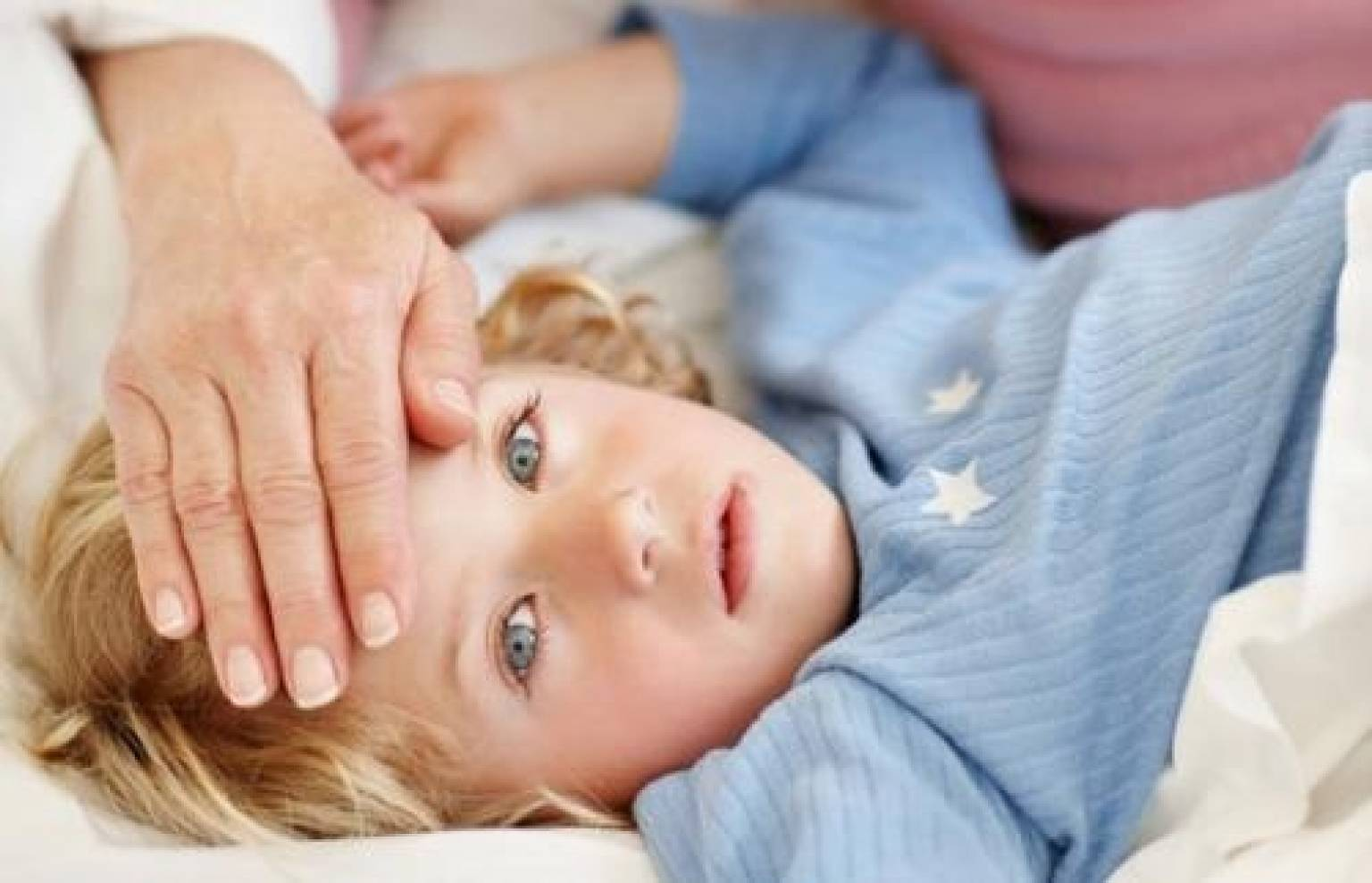 Почему возникает заложенность ушей при простуде и что делать с этим состоянием в домашних условиях