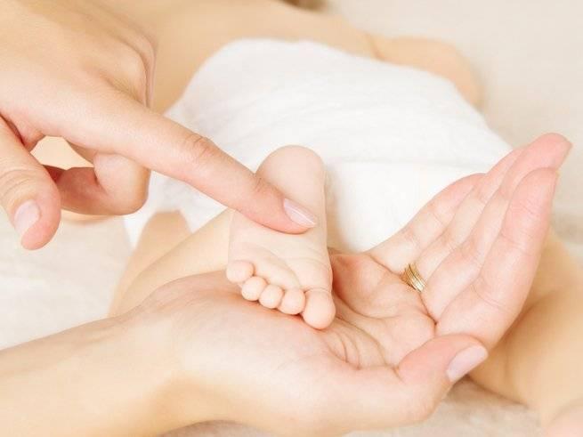 Как делать массаж ребенку 4-5 месяцев?