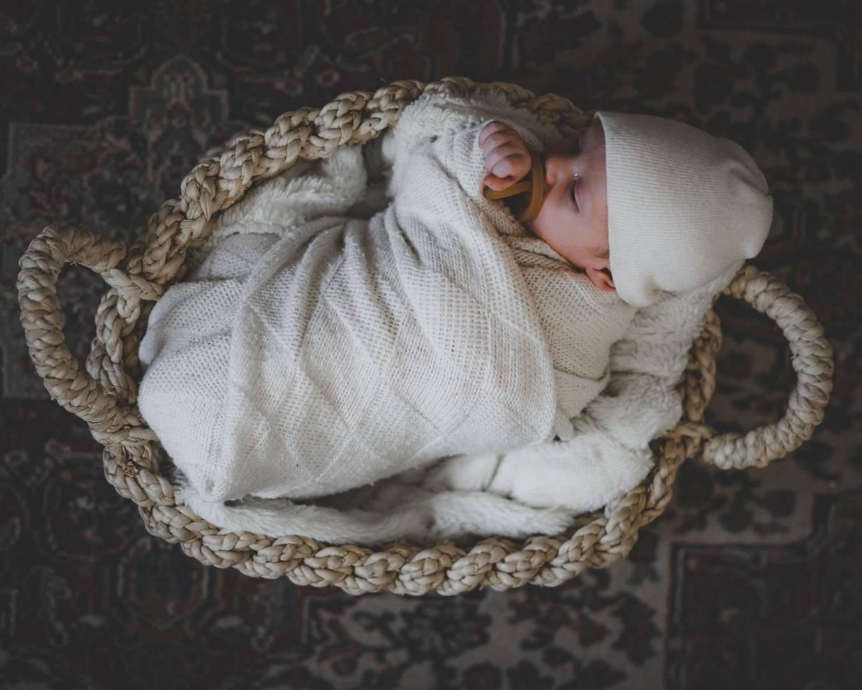 Что нужно купить к рождению малыша и как правильно собрать вещи в родом?