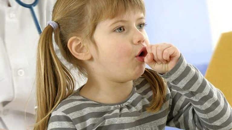 Ребенок кашляет без остановки – причины, что делать