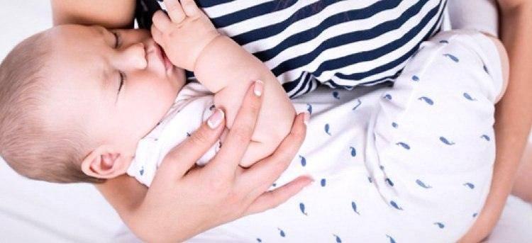 Malysh-plachet-vo-vremya-kupaniya - запись пользователя надежда (nadjushka-mamushka) в сообществе развитие от рождения до года в категории бассейн и водные процедуры - babyblog.ru