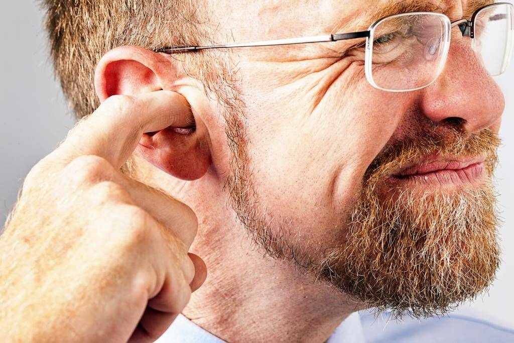 Болит ухо при насморке у ребёнка