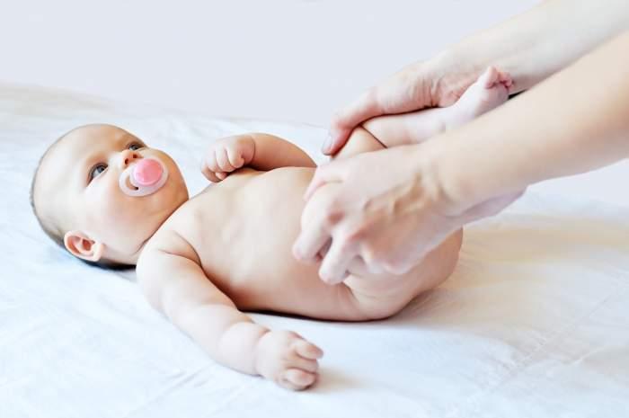 Как обрабатывать у новорожденной девочки интимную зону. основы ухода за новорожденной девочкой: водные процедуры и гигиена