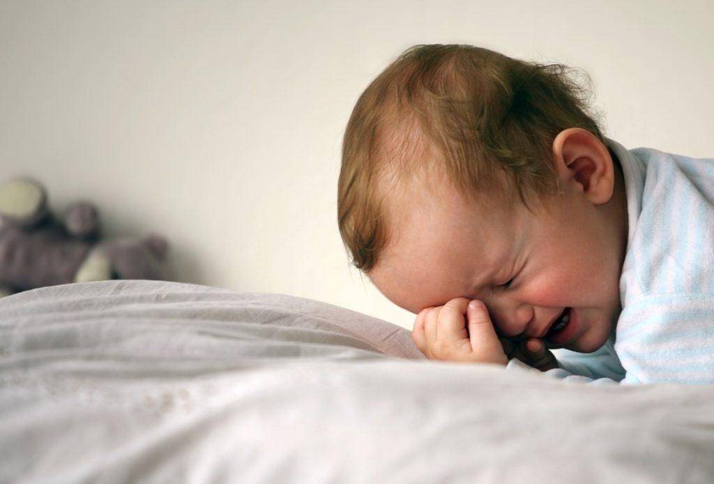 Плач у ребёнка перед сном