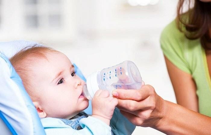 О необходимости допаивания водой: нужно ли поить малыша при грудном, искусственном и смешанном типе вскармливания?